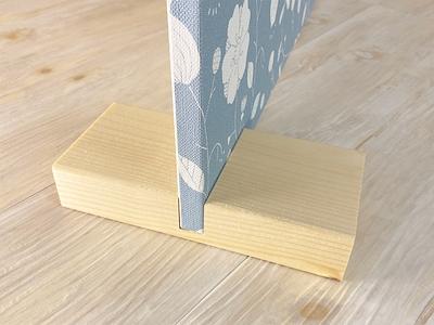 パネルの支え木の画像